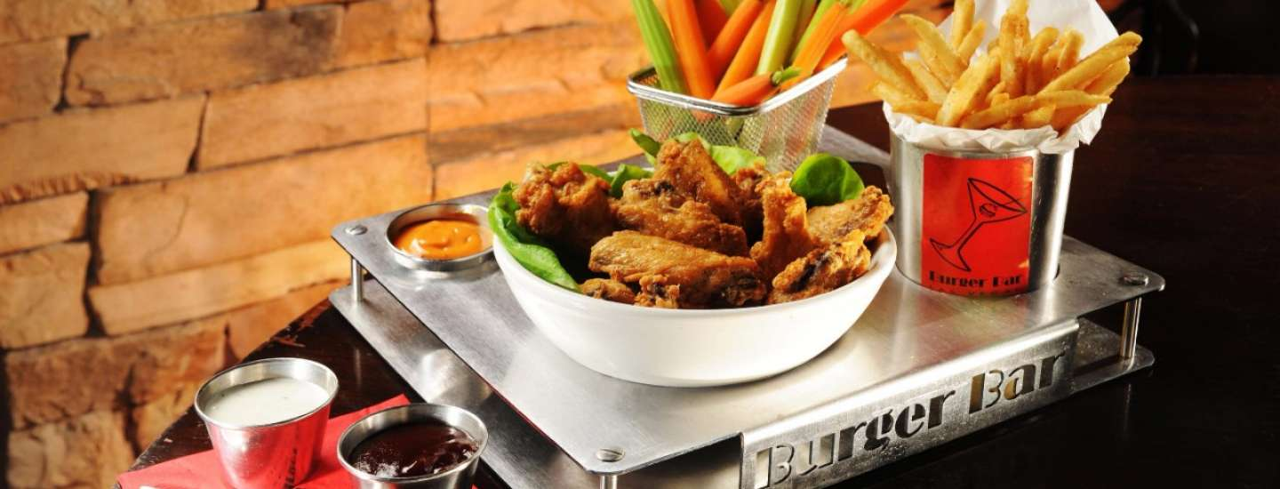 mandalay-bay-restaurant-shoppes-burger-bar-chicken-wings