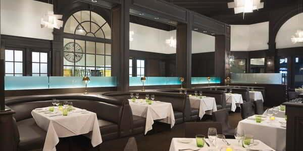 mandalay-bay-restaurant-lupo-inside-booth-dining-architecture