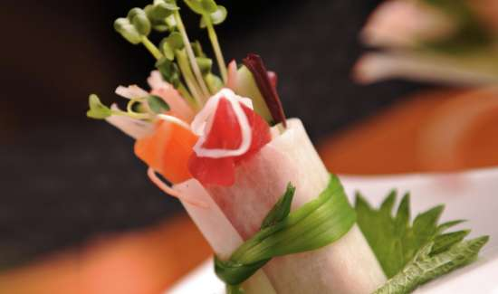 mandalay-bay-restaurants-mizuya-sushi-roll.tif.image.550.325.high