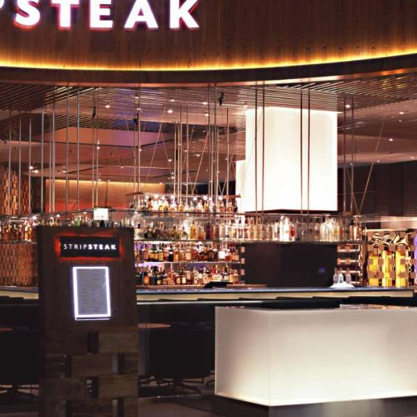 mandalay-bay-restaurant-stripsteak-front-view