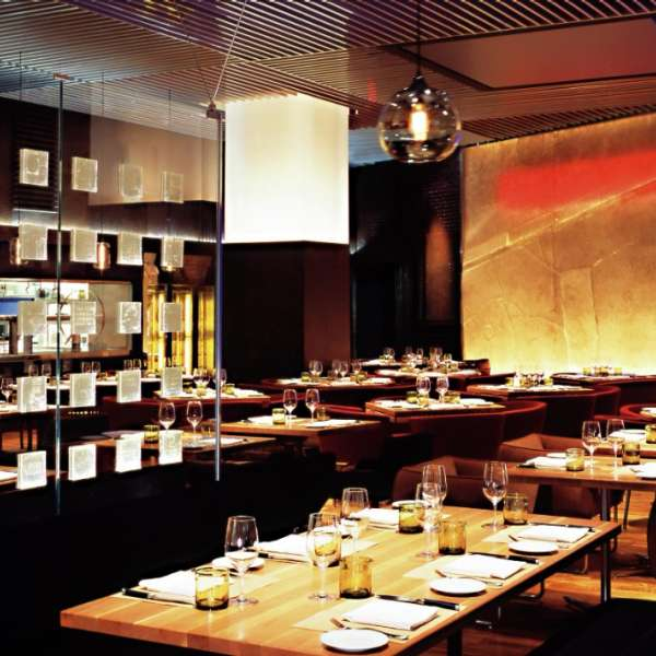 mandalay-bay-restaurant-stripsteak-inside-architecture