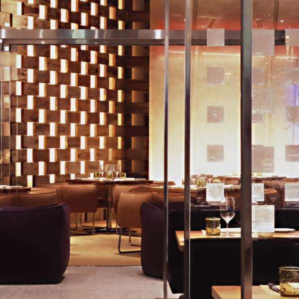 mandalay-bay-restaurant-stripsteak-inside-seating