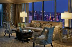 mandalay-bay-hotel-four-seasons-presidential-strip-view-suite-at-night