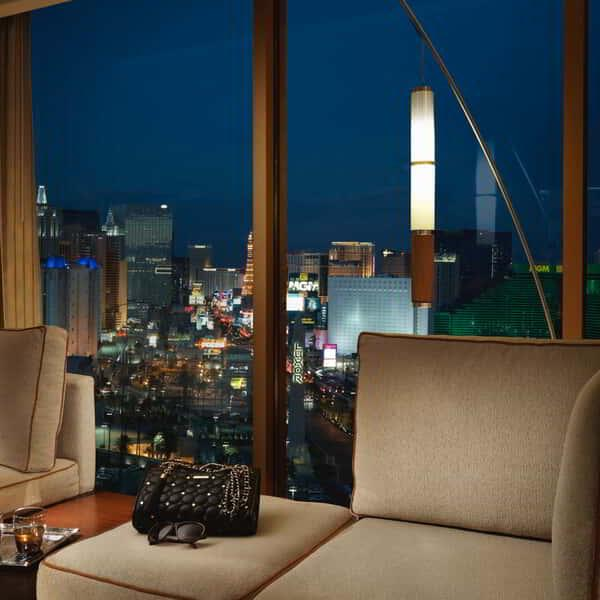 mandalay-bay-hotel-room-deluxe-room-view
