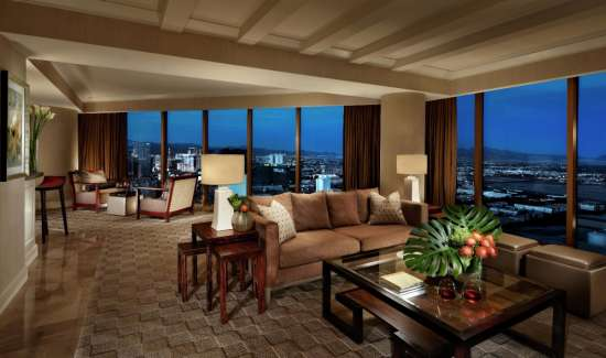 mandalay-bay-hotel-room-vista-suite-living-space.tif.image.550.325.high
