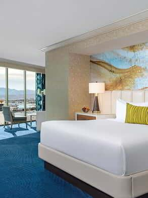 mandalay-bay-hotel-roomexecutive-suite-bedroom-view