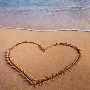 mandalay-bay-hotel-offers-valentines-day-offer-heart-in-the-sand.tif.image.300.300.high
