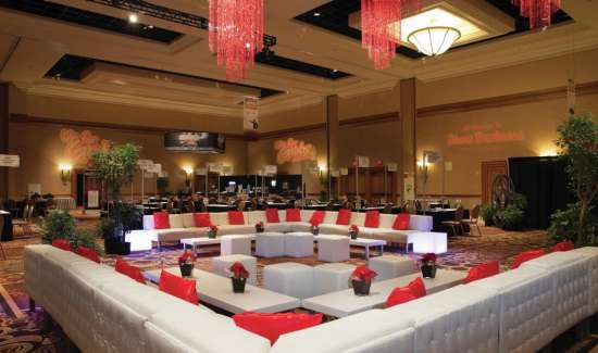 mandalay-bay-meetings-and-conventions-lounge-area-with-white-leather-couches.tif.image.550.325.high