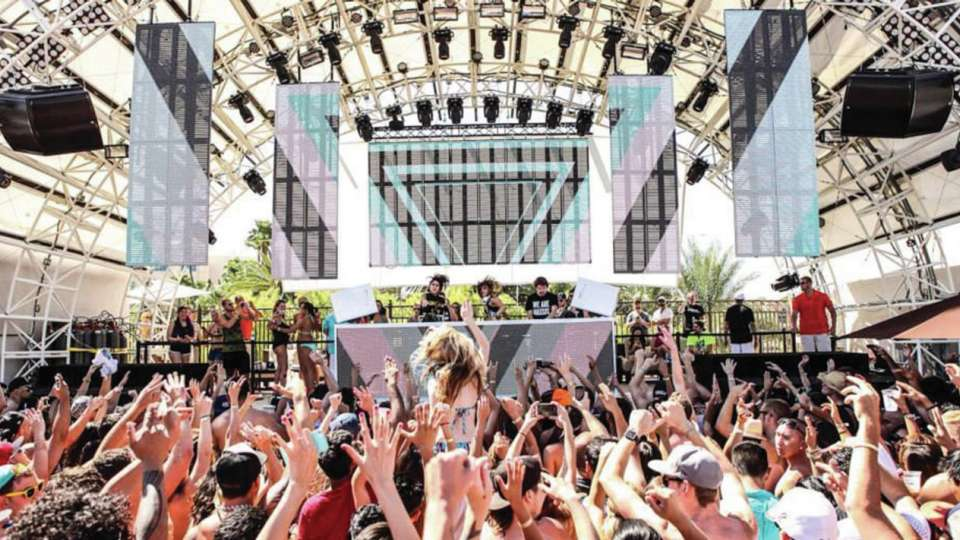 Celebrity DJ's featured at DAYLIGHT Beach Club
