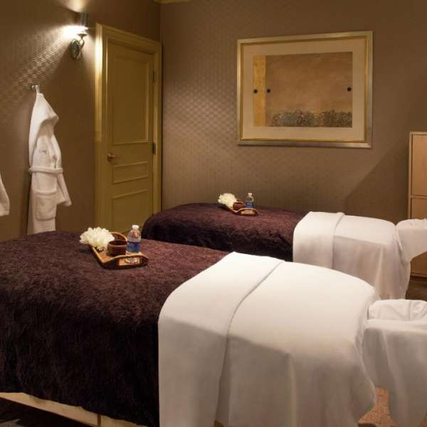 mandalay-bay-amentities-spa-mandalay-couples-massage-table