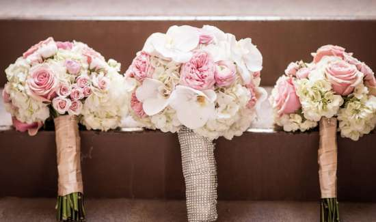 mandalay-bay-weddings-services-bouquet-three-display.TIF.image.550.325.high