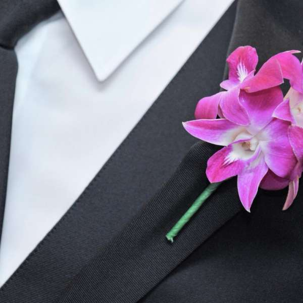mandalay-bay-weddings-services-boutonniere-pink-orchid