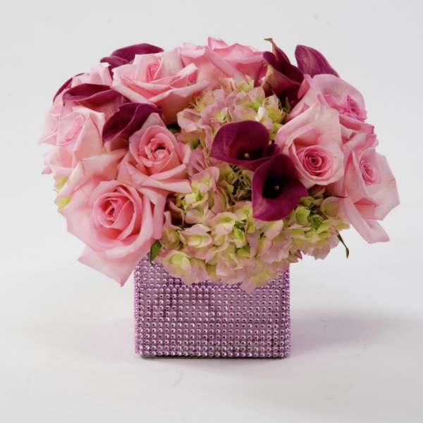 mandalay-bay-weddings-services-centerpiece-pink-floral-no-petals