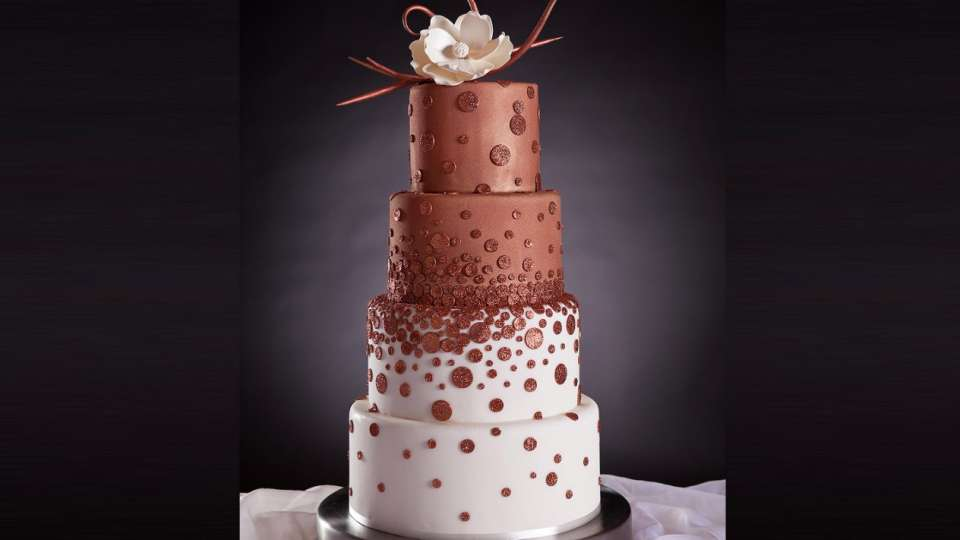 Mandalay Bay Wedding Cake four layers half vanilla and half chocolate