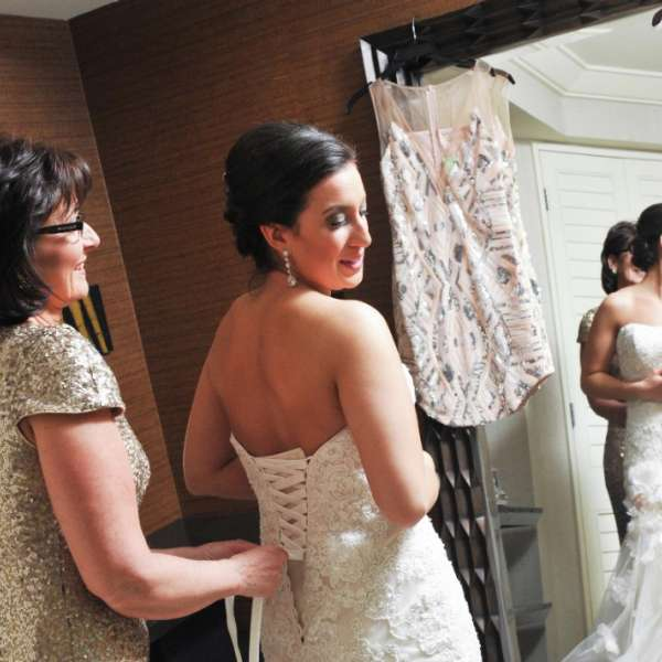mandalay-bay-weddings-chapel-lifestyle-getting-ready