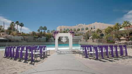mandalay-bay-weddings-mandalay-bay-beach
