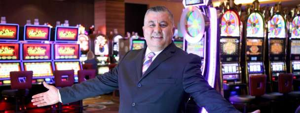 mgm-grand-detroit-casino-hosts-meet-yassir-yasso-hands-open