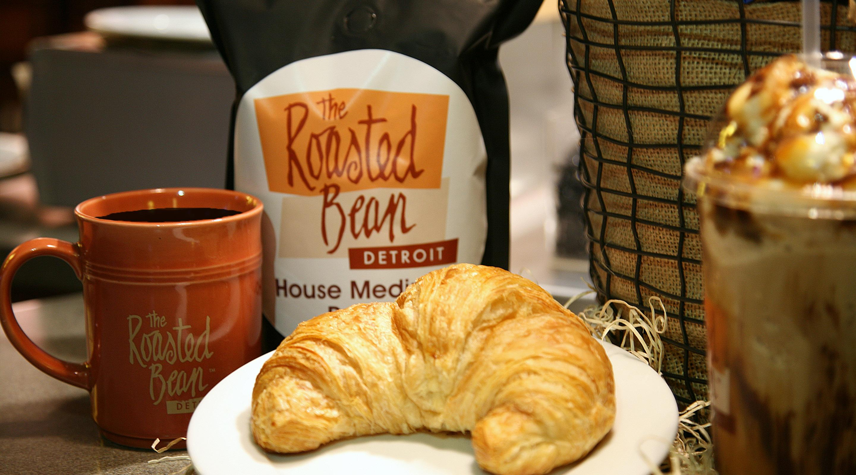 mgm-grand-detroit-dining-the-roasted-bean-croissant