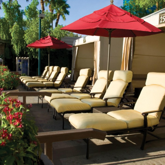 mgm-grand-amenities-grand-complex-pool-cabana-03-@2x