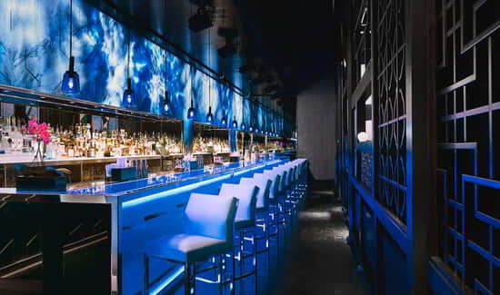 mgm-grand-restaurant-hakkasan-interior-bar-@2x.jpg.image.550.325.high