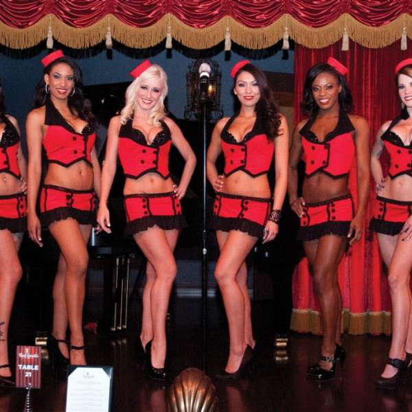 Brad Garrett's Comedy Club Interior Waitresses
