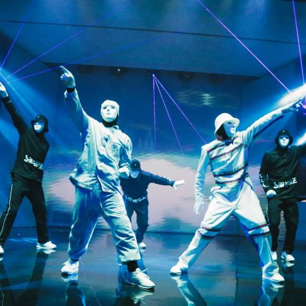 Five Jabbawockeez Dancers with BlueLight
