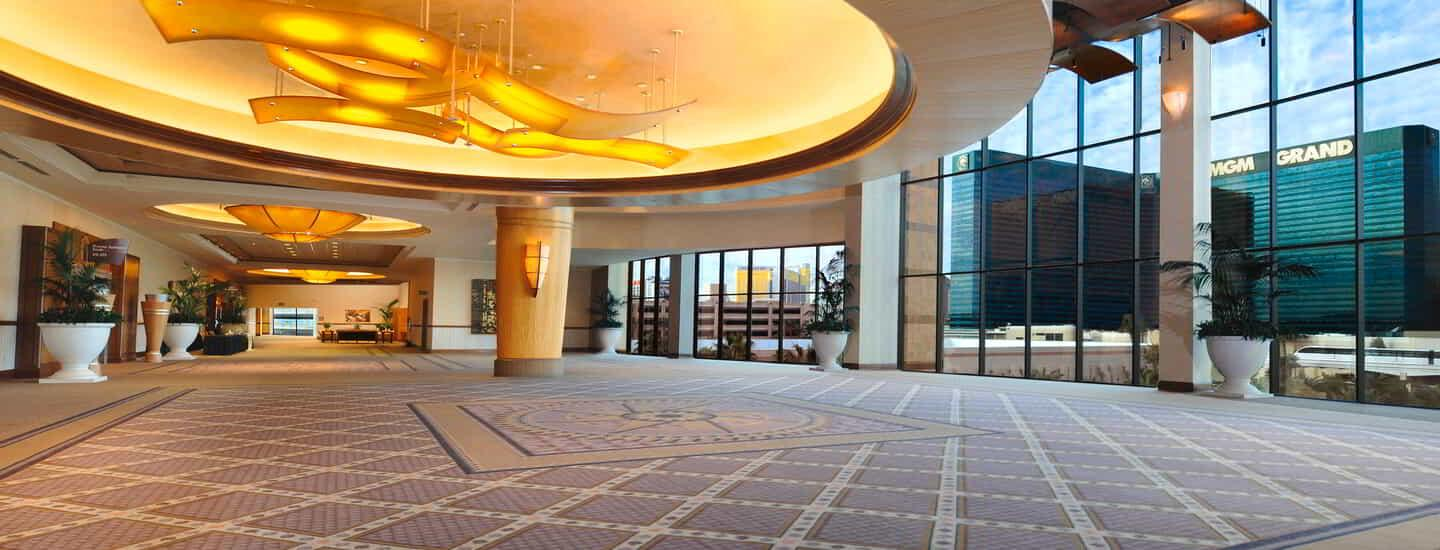 mgm-grand-meetings-meeting-architecture-interior-conference-center-lobby-@2x