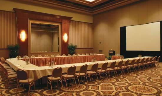 mgm-grand-meetings-meeting-architecture-interior-u-shape-setup-@2x.jpg.image.550.325.high