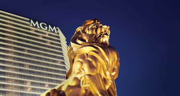 mgm-national-harbor-exterior-lion-panel