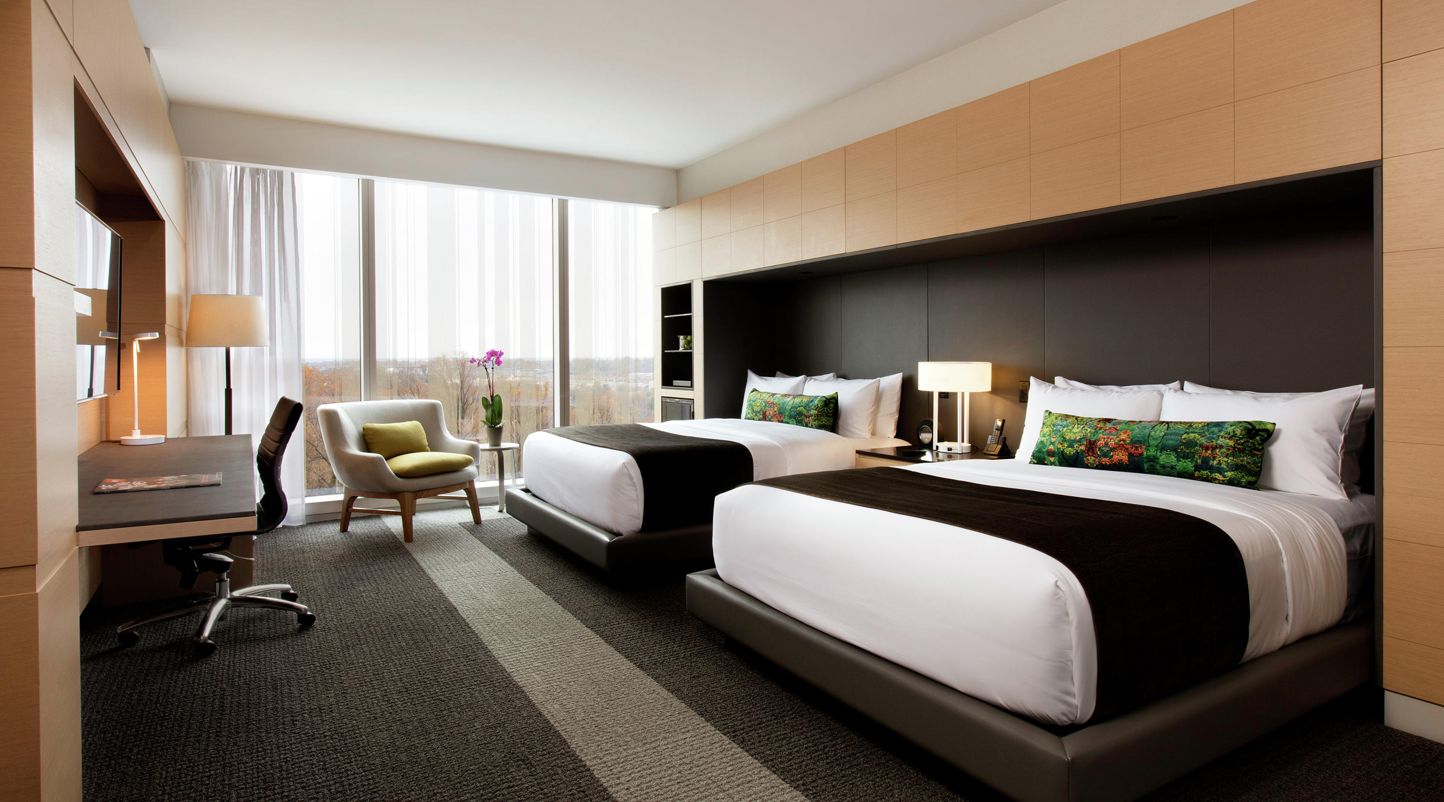 Experience Luxury with our Queen room.