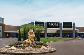 The entrance of MGM Northfield Park.