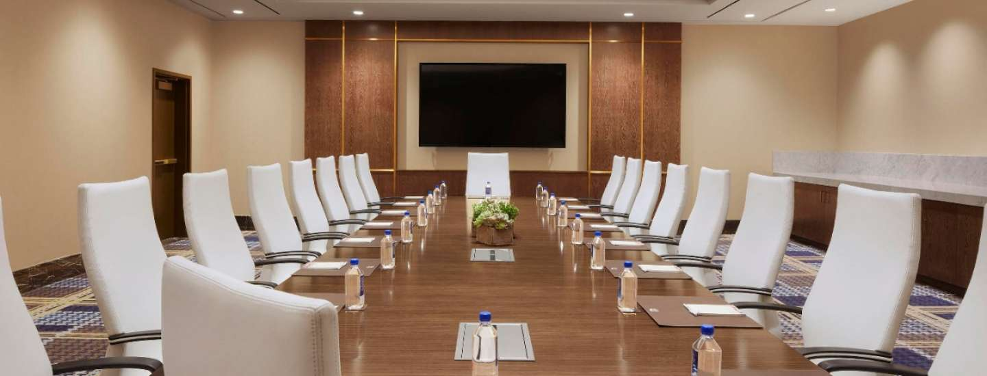 Our boardrooms have complete privacy for your business meeting.