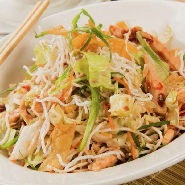 new-york-new-york-dining-chin-chin-chinese-chicken-salad