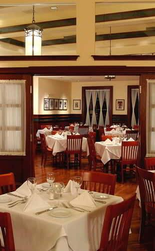 new-york-new-york-gallaghers-restaurant-interior