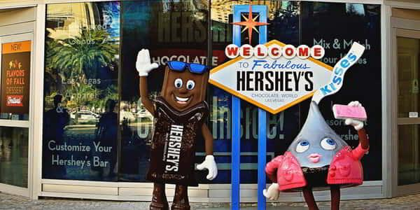new-york-new-york-hersheys-brooklyn-bridge-characters