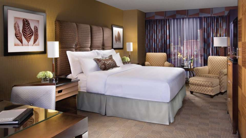Enjoy some no-nonsense rest and relaxation away from the hustle and bustle of The Strip in our enhanced 350-square-foot rooms featuring a luxurious King or two Queen beds.