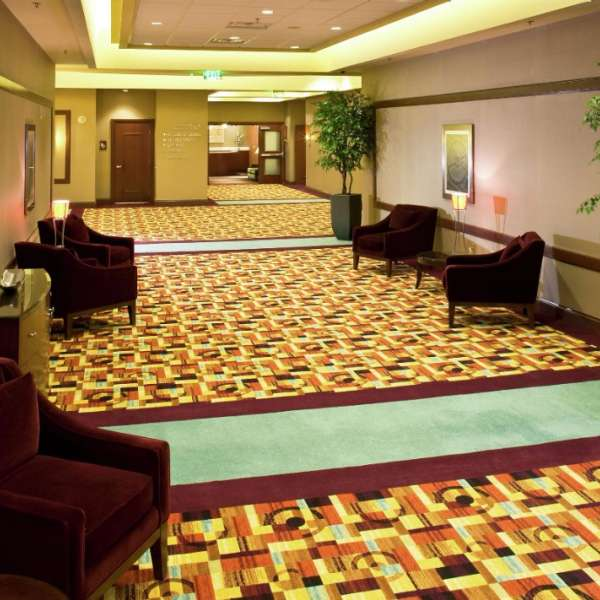 new-york-new-york-meetings-convention-hallway-v1