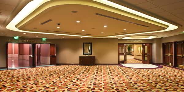 new-york-new-york-meetings-convention-hallway-v2
