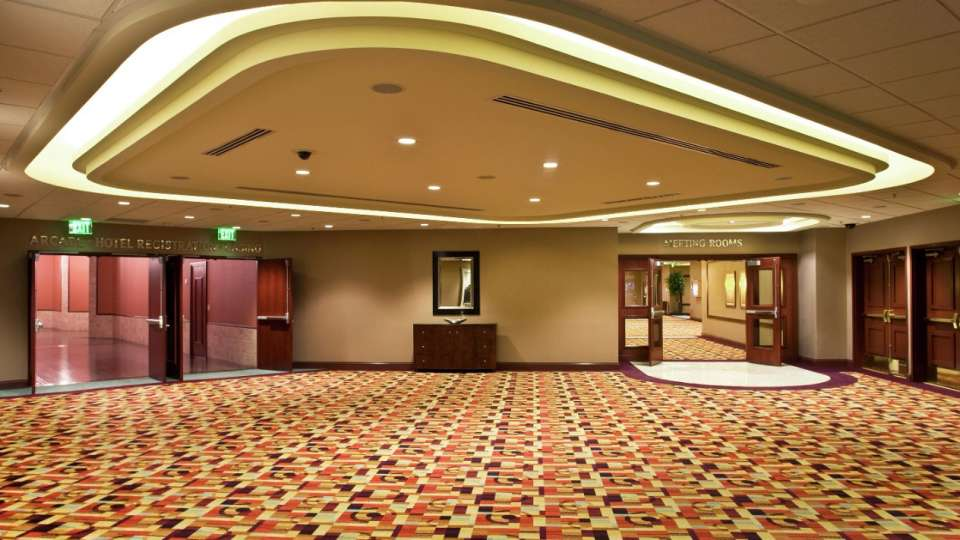 New York-New York's meeting and convention floor offers over 21,000 square feet of convenient, adaptable space.