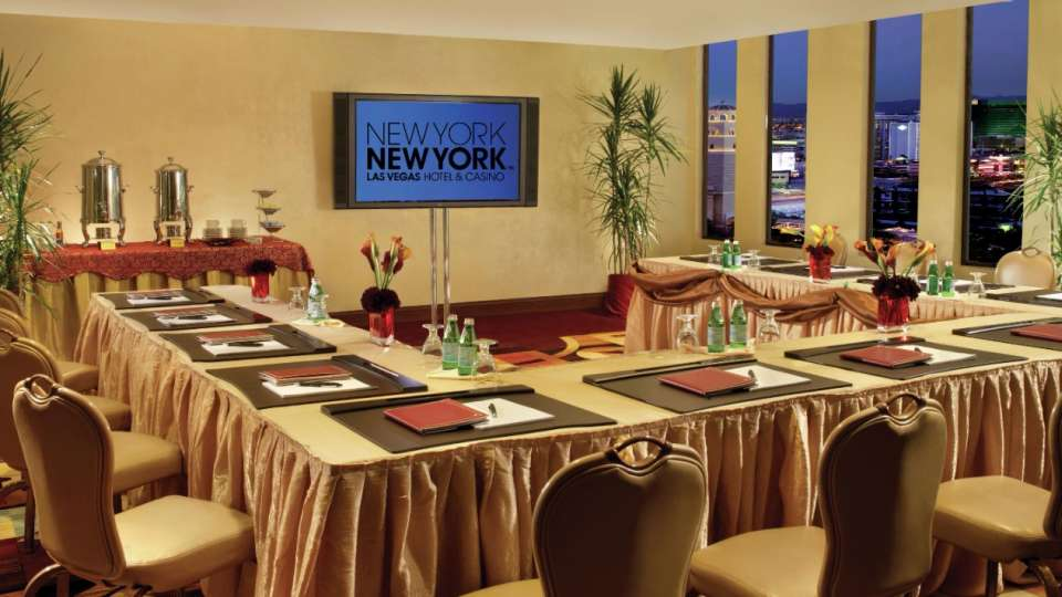 New York-New York's meeting and convention floor offers over 21,000 square feet of convenient, adaptable space. Combining award-winning service with state-of-the-art technology and unique event venues, New York-New York has just the meeting space you need.