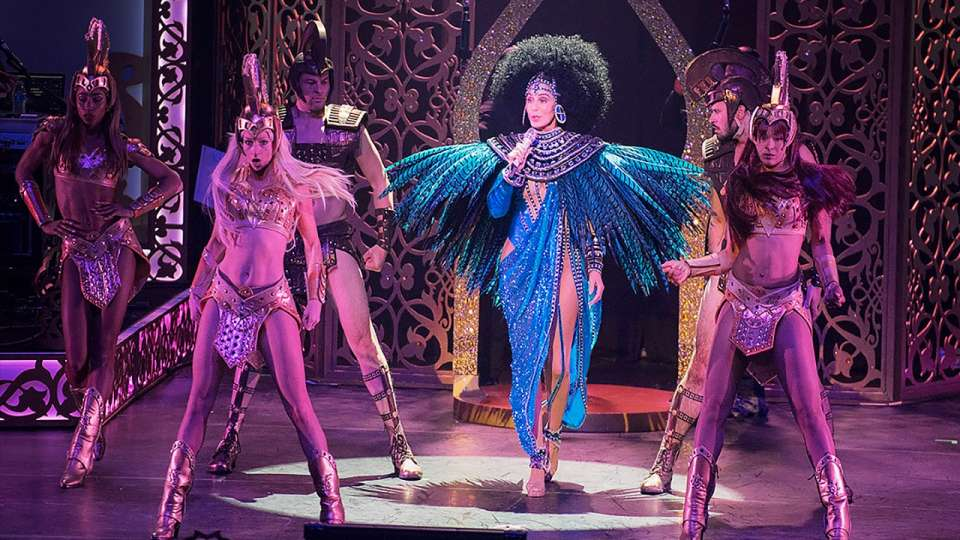 monte-carlo-park-theater-entertainment-cher-blue-feathers