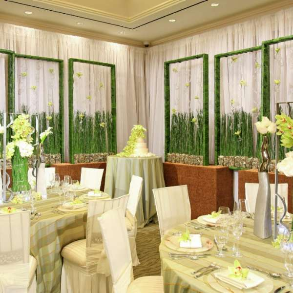 Floral and Decor Options for The Signature
