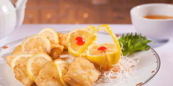 mirage-restaurant-fin-signature-dish-lemon-chicken