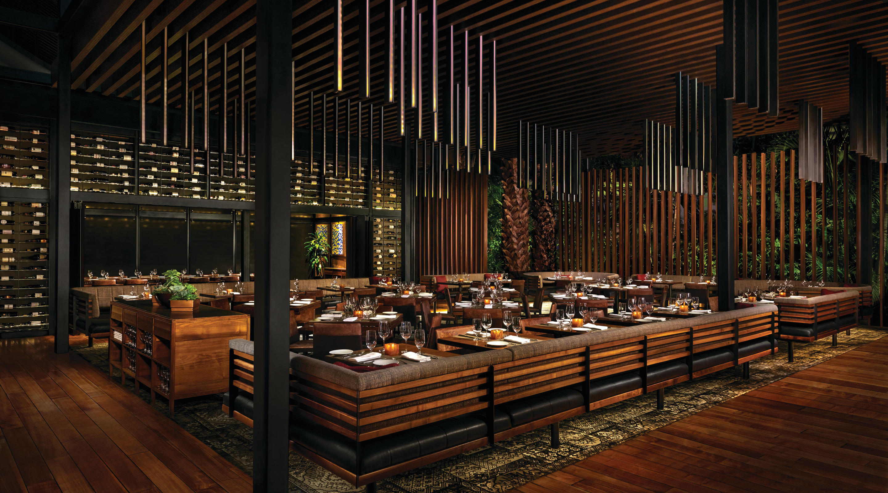 Dining room of Tom Colicchio's Heritage Steak.