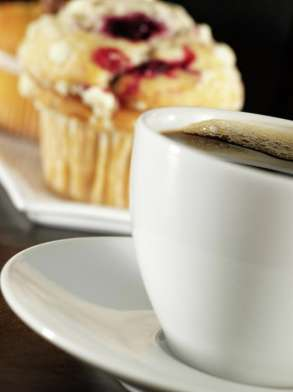 mirage-starbucks-detail-coffee-muffin