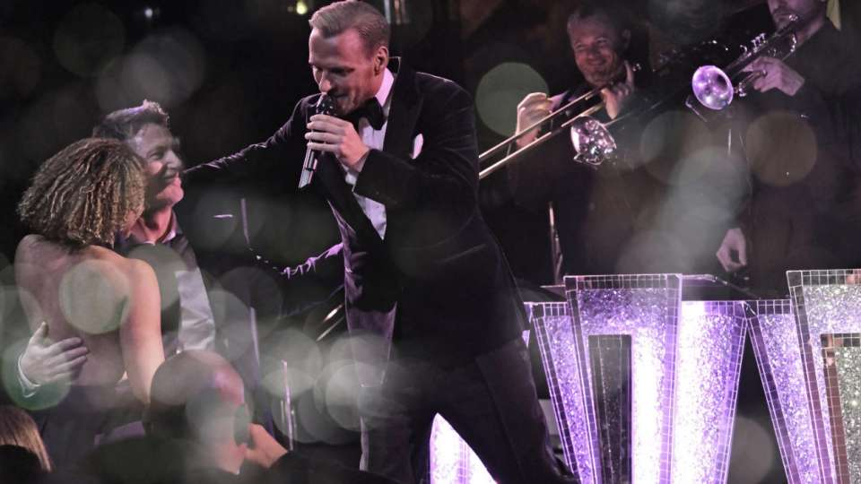 mirage-entertainment-matt-goss-audience-interaction-2