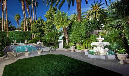 mirage-villas-backyard-landscaping-exterior-night.tif.image.550.325.high