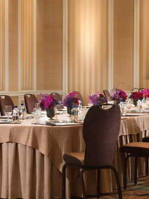 mirage-meetings-architectural-antigua-group-dining