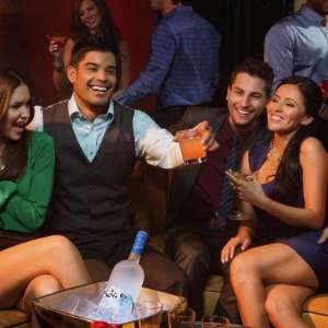 mirage-nightlife-1oak-lifestyle-genx-friends-group-cheers.tif.image.300.300.high