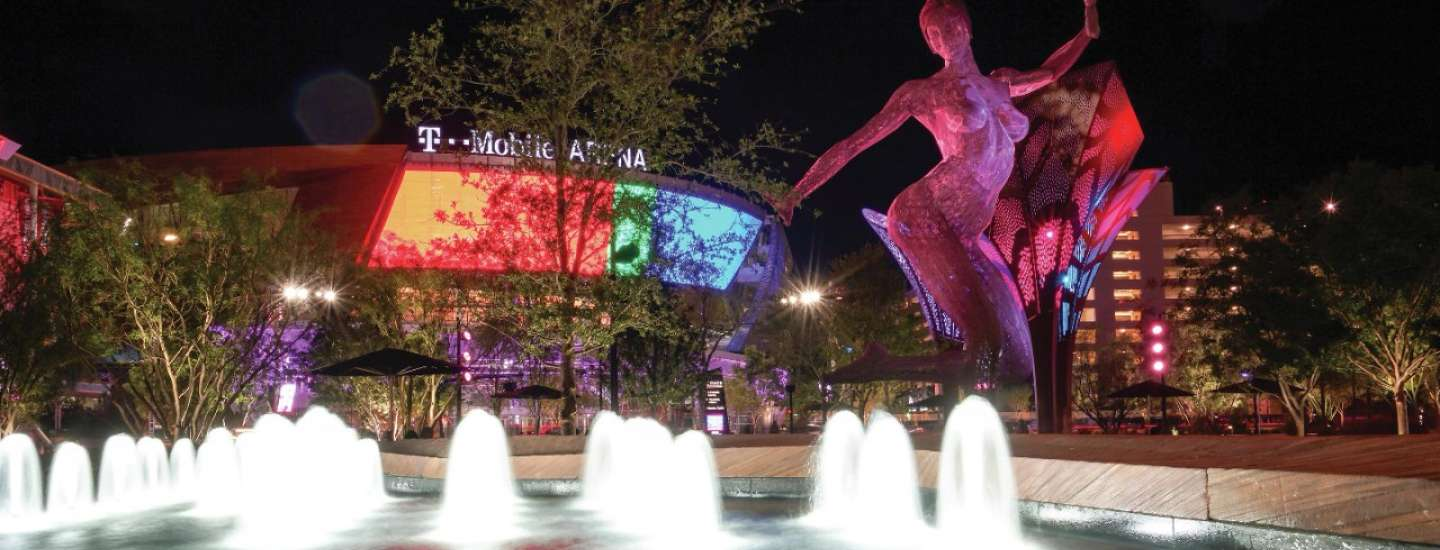The Park is an immersive outdoor destination for dining and entertainment. An eclectic blend of restaurants, bars and entertainment makes this the pulse that combines NYNY, Monte Carlo and the Las Vegas Arena into one community. All of the venues are outfitted with outdoor patio seating to make everyone feel like they are part of the action. Artwork such as The Trumpets and Bliss Dance provide a vibrant ambiance that is unlike anything else on The Strip.
